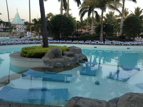 ClubHotel Riu Bachata: la piscine (6 heures du matin)