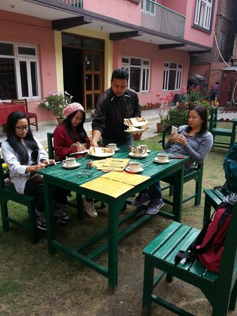 Acme Guest House: Having our breakfast