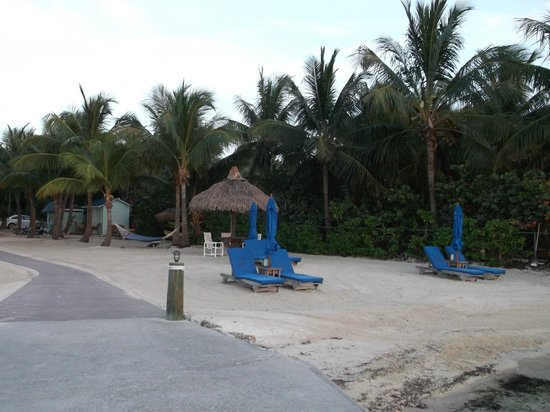 Island Bay Resort : Beach area