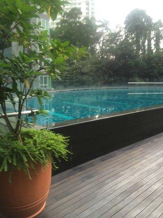 Lanson Place Bukit Ceylon Serviced Residences: pool