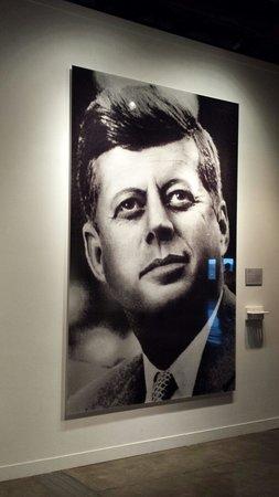 The Sixth Floor Museum/Texas School Book Depository: JFK