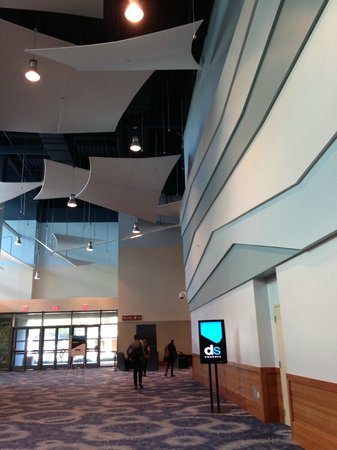 Phoenix Civic Plaza Convention Center: Lobby near meeting rooms