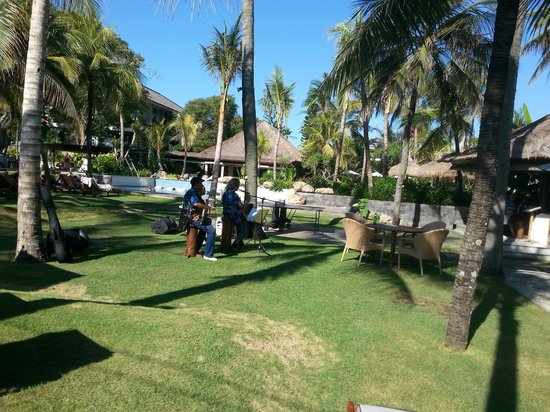 Bali Mandira Beach Resort & Spa: View of beautiful gardens
