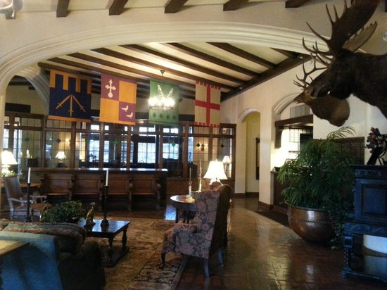 Best Western Premier Mariemont Inn : Lobby