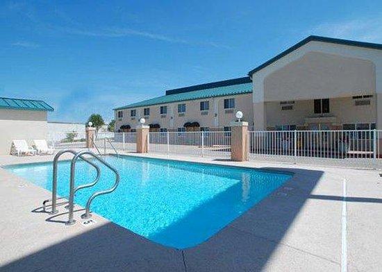 Days Inn & Suites Tulsa Airport : Guest Room