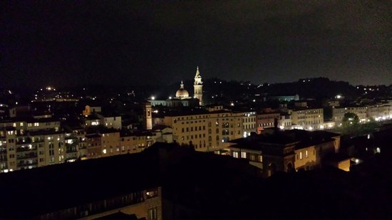 Torre Guelfa Hotel : Firenze by night..vista terra 2