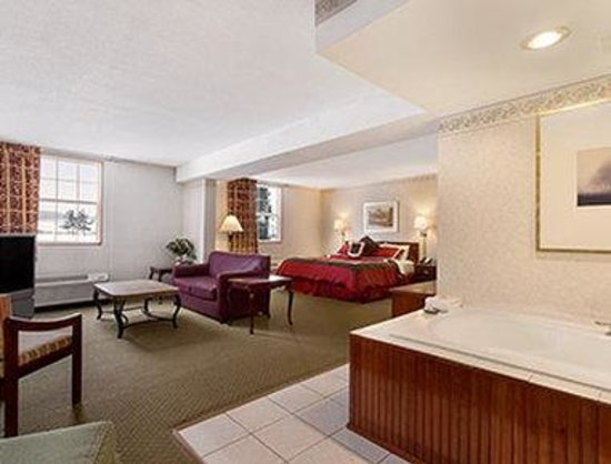 Hotels With Jacuzzi In Room And Smoking In Ohio