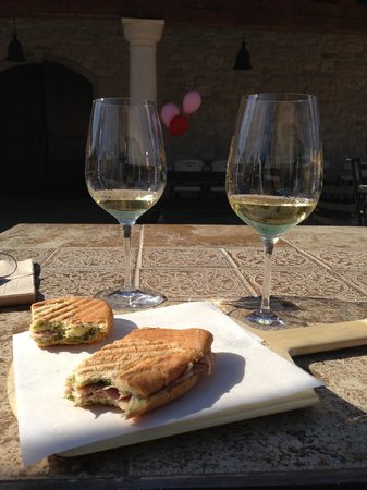 VJB Cellars: Paninis and wine!