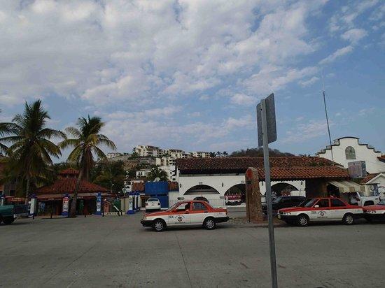 Santa Cruz Bay: lots of new development