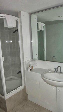 BreakFree Adelaide : Bathroom
