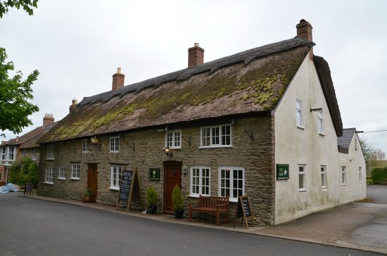 The Crown Inn: Hotel front
