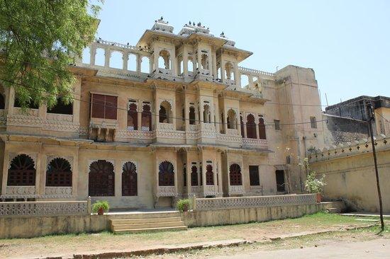 Ravla Khempur: Rawlar Khempur - The Best Exotic Marigold Hotel