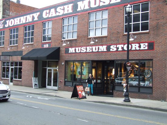 The Johnny Cash Museum : Bag full of loot!