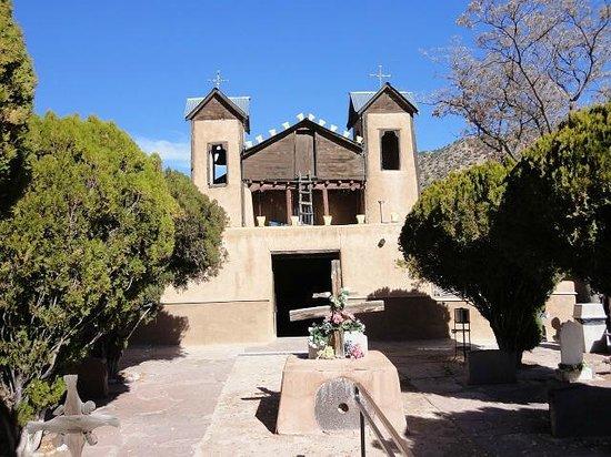 El Santuario de Chimayo: とてもかわいらしい教会です。