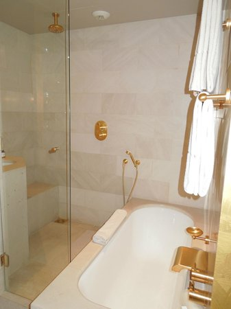 Park Hyatt Paris - Vendome: Bathroom