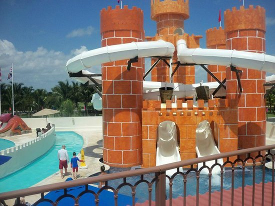 Great Parnassus Family Resort : Castillo de la isla del tesoro