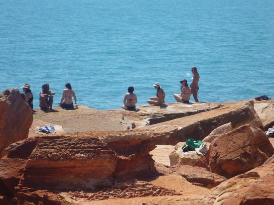 Broome Town Beach: Locals Fishing