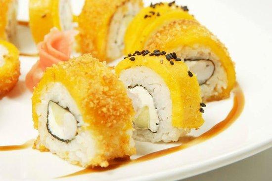 Tobiko Sushi Bar: macaco roll