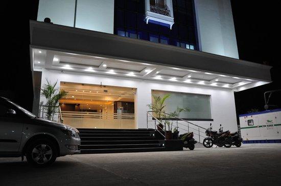 Ungal Vasanta Bhavan Residency: Main Entrance