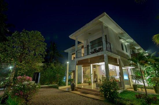 Suorkear Villa Resort: Hotel front