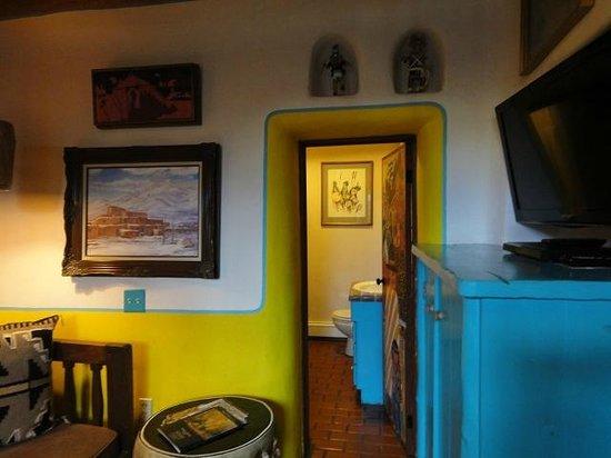 La Dona Luz Inn, An Historic Bed & Breakfast: 部屋のインテリアも凝っています。