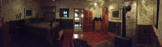 Abe's Spring Street Guest House : Spacious Room