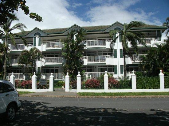 Costa Royale Trinity Beach: Costa Royale Apartments
