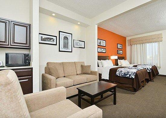 Sleep Inn & Suites : guest room