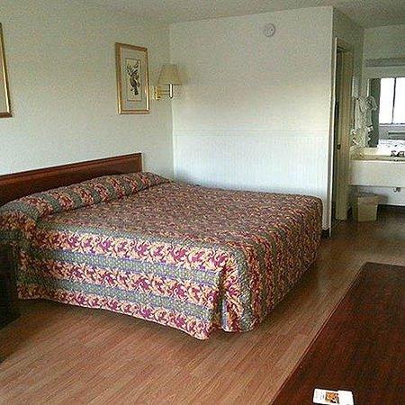 Magnuson Hotel Kissimmee Maingate Room