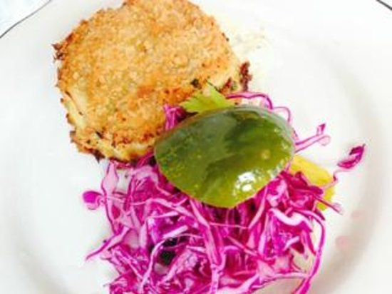 Fishing with Dynamite : Crab Cakes