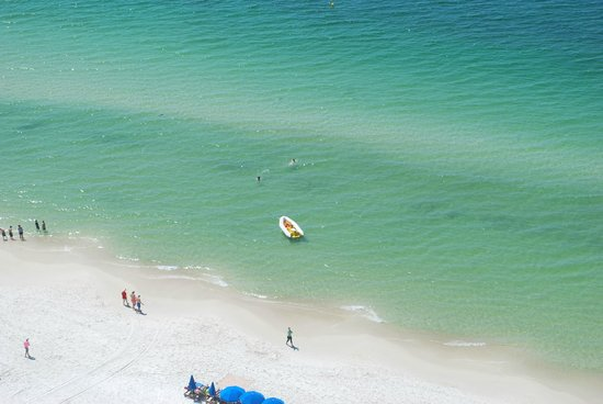 Sunrise Beach Resort: You can watch parasailing from your balcony!