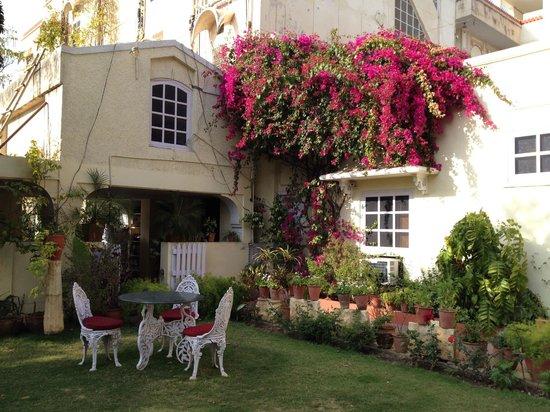 Hotel Madhuban : Garden