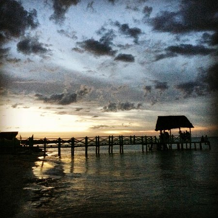 Memories Flamenco Beach Resort : Memories beach
