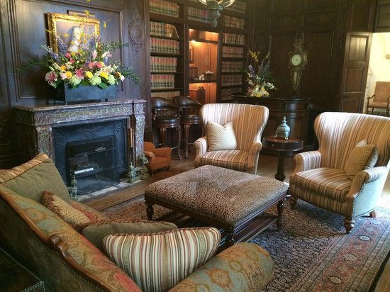 Graylyn Estate: Common area, Graylyn Manor House