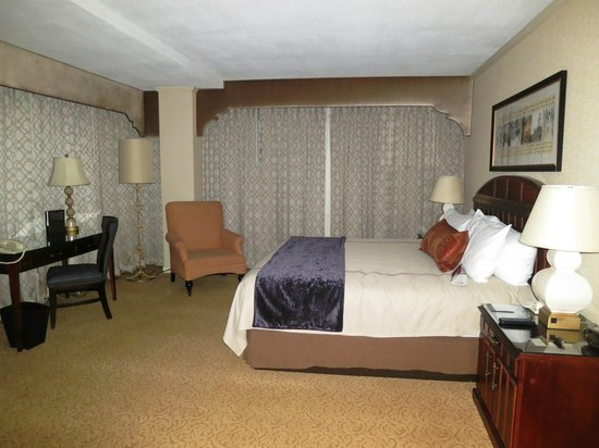 Omni New Haven Hotel at Yale: Bedroom 103