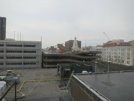 Omni New Haven Hotel at Yale: Outside 4th Floor  104