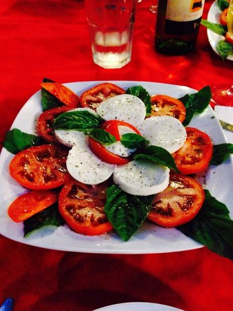PapaCharly Pasta Factory : Caprese Salad.  AWESOME!!!