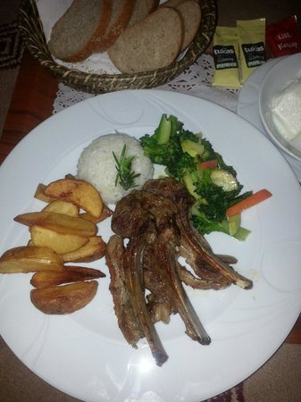 Karaca Otel: Room service