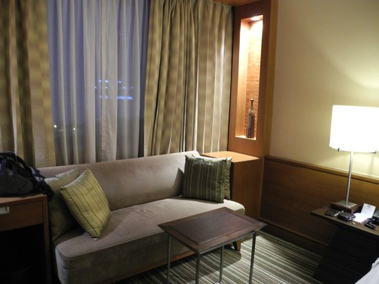 The Sukosol : couch in the room to relax next to the window