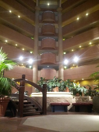 InterContinental Adelaide: Ground Floor of the Atrium, very dated