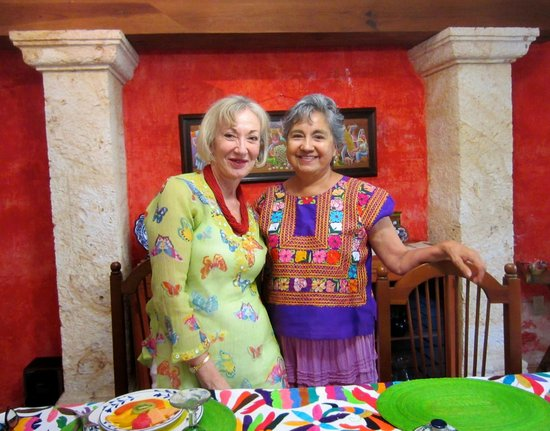 La Casa de Mis Recuerdos B&B : Toni and hostes, Conchita after breafast at La Casa de Mis Recuerdos, Oaxaca