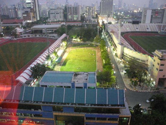 Siam@Siam Design Hotel Bangkok : national stadium next to the hotel