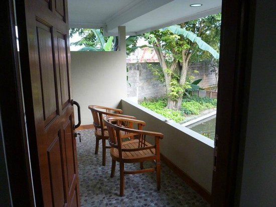 Pan Family Hotel: Our private balcony