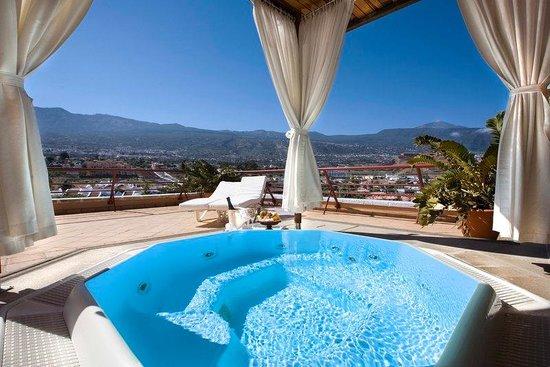 Hotel Botanico & The Oriental Spa Garden: Penthouse Suite Jacuzzi