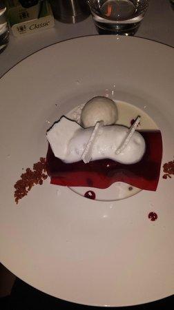 Sirocco Restaurant: dessert glacé chocolat blanc et framboise