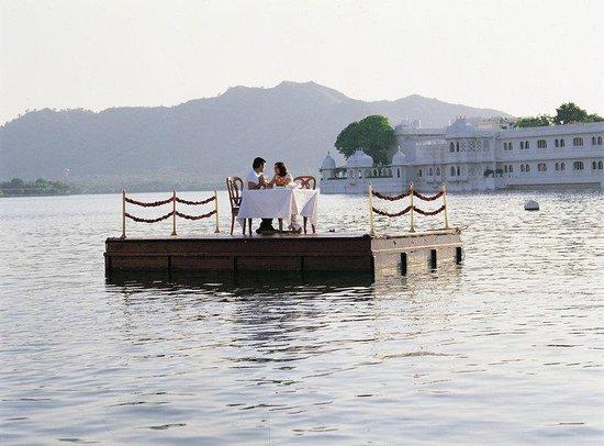 Taj Lake Palace Udaipur : Pontoon