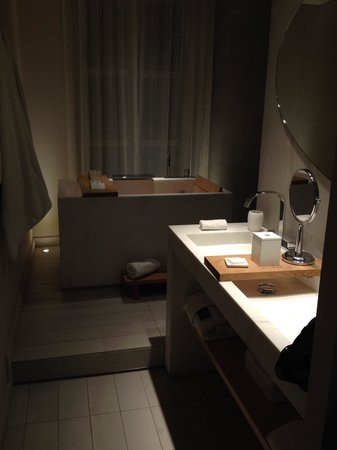 Hotel De Nell: Bathroom