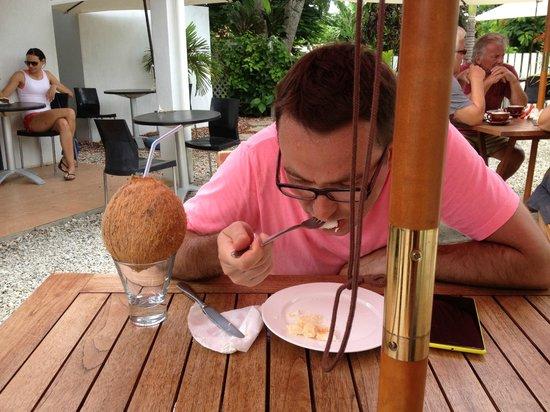 Deli-Licious Cafe Limited: Завтрак с кокосом