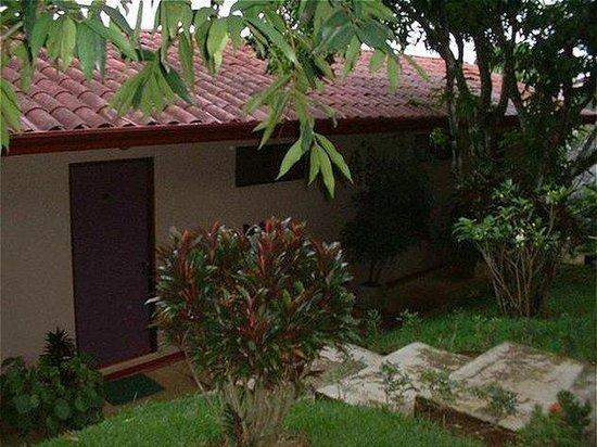 Pura Vida Hotel: Exterior view