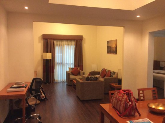 Ramada Hotel and Suites Ajman: The deluxe room